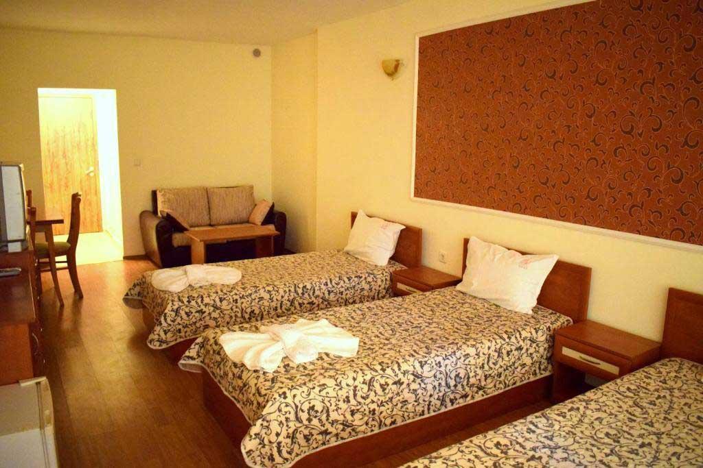 Ryor Hotel 14