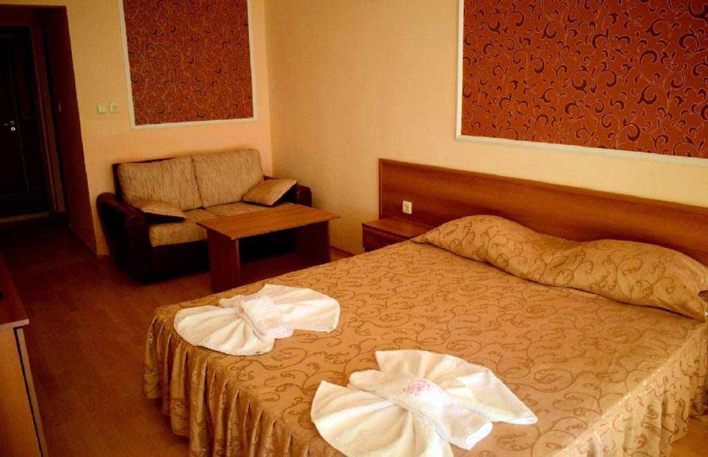 Ryor Hotel 24
